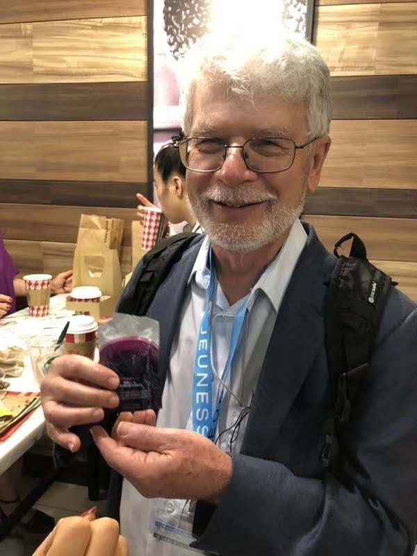 76岁美国化学博士,从事食品研究三十多年,吃JS全套产品四个月去测量端粒是相当于64岁端粒长度!